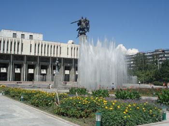 中央アジアの真珠・イシククル湖とシルクロード2ヵ国周遊☆キルギス&カザフスタン6日間