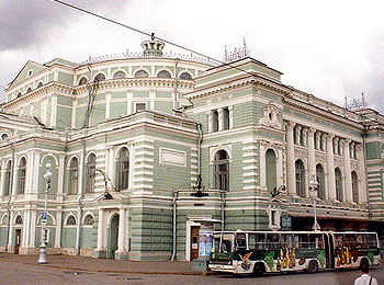 フィンランド航空で行く!サンクトペテルブルグ&ヘルシンキ人気2都市列車の旅8日間