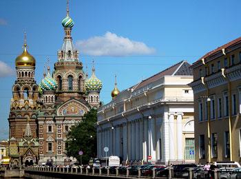 ~赤い矢号に乗車・エミレーツ航空利用~ ロシア人気の2都市を巡る サンクトペテルブルグ・モスクワ6日間の旅