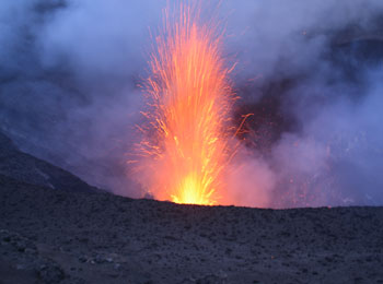 南太平洋の秘境・バヌアツ☆タンナ島・ヤスール火山見学とエファテ島8日間≪ニューギニア航空利用キャンペーン!≫