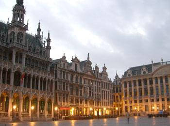 【エミレーツ航空で行く!】 アムステルダム・ベルギー周遊列車の旅8日間