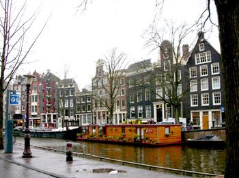 直行便で行く! アムステルダム6日間
