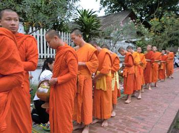 【安心の日本語係員による送迎付】ラオスの古都ルアンパバーンで自由に過ごす4日間