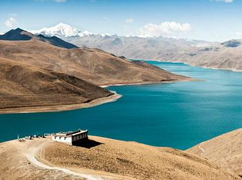 聖なる湖ヤムドゥクと天空のラサを訪れる! ラサ観光つき6日間 【専用車・日本語ガイド】