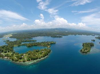 地球最後の秘境・パプアニューギニア☆美しい珊瑚の海のリゾート・マダン滞在4日間≪全送迎付≫極楽鳥に会える人気の観光地アドベンチャー・パークにもご案内♪