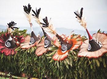 【年に一度の聖なる儀式・ラバウルマスクフェスティバルマスクを見学!】地球最後の秘境・パプアニューギニア☆ゴロカ、ラバウルと首都ポートモレスビー8日間☆アサロ渓谷マッドマンとゼロ戦も沈む美しい海≪充実の全観光付≫