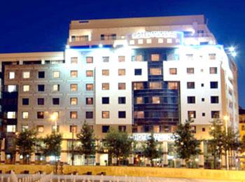 人気のエミレーツ航空で行くリスボン5日間 滞在は旧市街ロシオ広場すぐ4つ星ホテル『ムンディアル』