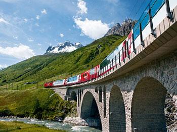 往復直行☆バスと鉄道で巡るスイス7日間 スイス2大鉄道『ベルニナ急行』 『氷河特急』乗車☆