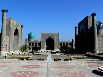 ウズベキスタン レギスタン広場