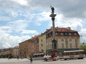 羽田発着 ルフトハンザ航空で行く! ポーランド2都市ワルシャワと古都クラクフとエクスプレスで移動 ドイツベルリン8日間