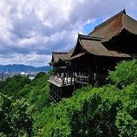 京の街並みを望む本堂が「清水の舞台」_夏(イメージ)