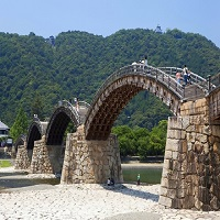 日本三名橋のひとつ「錦帯橋」日本を代表する木造橋にも行ってみよう!(山口県)