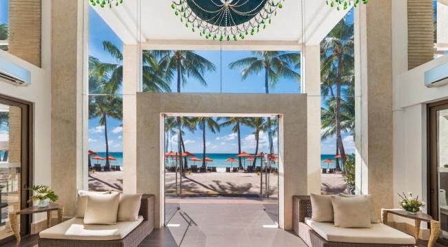 白い砂浜のビーチがホテルの目の前!/イメージ