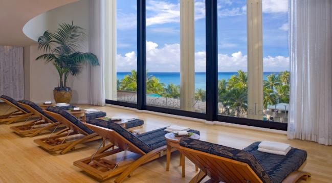 ロミロミやホットストーンなど、ハワイ伝統の技法を用いた「ナ ホオラ スパ」/ハイアットワイキキ/イメージ