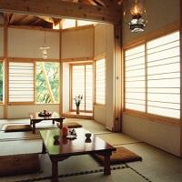 部屋の灯りもランプ! ランプの宿 青荷温泉(客室一例)