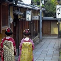祇園と舞妓のある風景