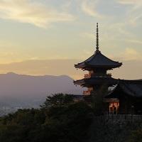夕暮れに映える 清水寺