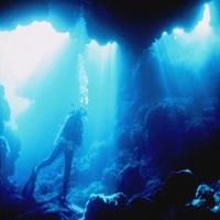 宮古島の海でダイビング(イメージ)
