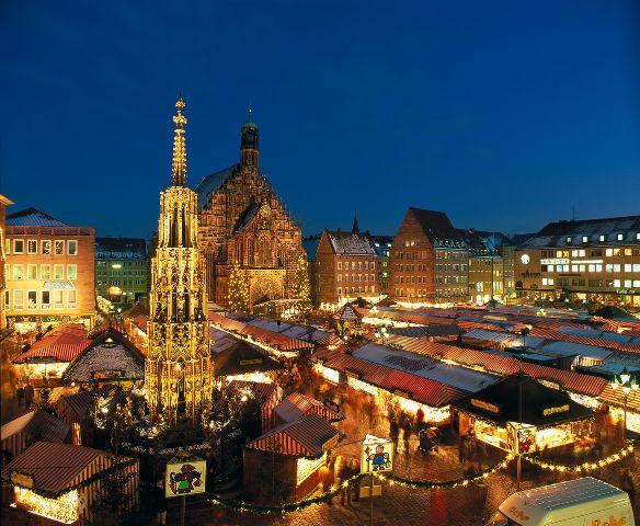 ドイツ環状紀行クリスマスとノイシュバンシュタイン城7日間/クリスマスマーケットを巡りながらフランクフルトからミュンヘン、ニュルンベルクへ~ アリタリア航空利用