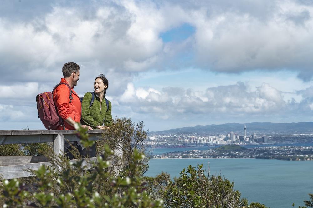 ニュージーランド南島周遊とオークランド9日間/ミルキーブルーの湖と美しい星空の村『テカポ』に滞在☆成田発ニュージーランド航空
