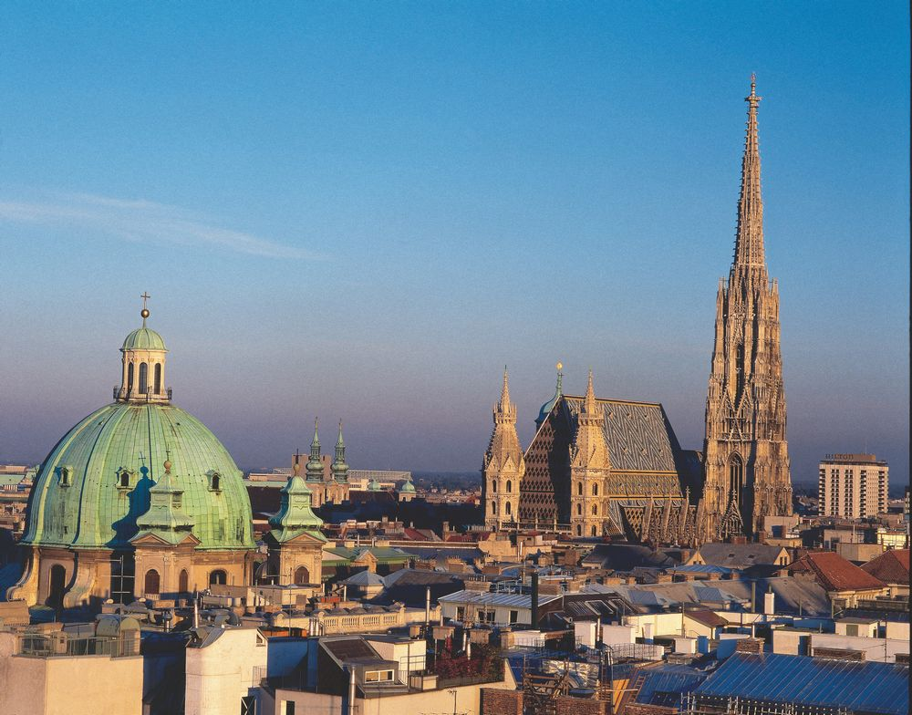 KLMオランダ航空で行くウィーン5日間/スタンダードクラス★往路(空港→ホテル)送迎付き!完全フリープラン!
