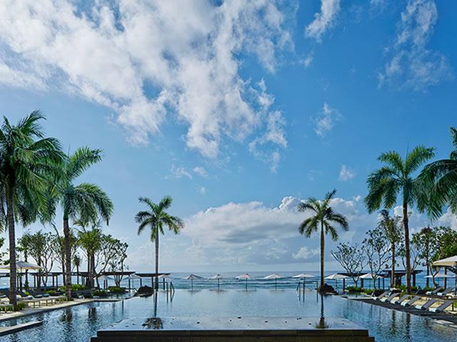 <福岡発>~フィリピン航空で行くアジアリゾート・バリ島~ ヌサドゥアの南端に位置する贅沢なひと時を過ごせる高級リゾート「ザ・リッツカールトン バリ(ジュニアスイート)」に泊まるバリ島 4日間!【カード決済OK】