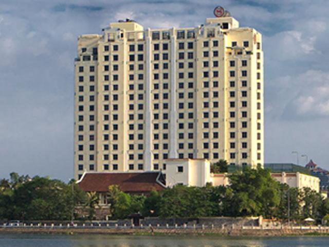 <福岡発>1名様より催行!ベトナム航空で行く、タイ湖の湖岸に建つデラックスホテル「シェラトンハノイ」に泊まるハノイ5日間!【カード決済OK】