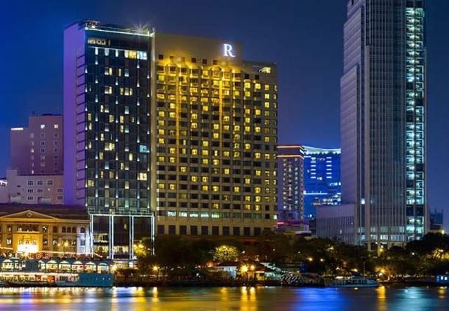 <福岡発>1名様より催行!ベトナム航空で行く、サイゴン川を見下ろす抜群の立地の五つ星ホテル「ルネッサンスリバーサイド(デラックスシティビュー)」に泊まるホーチミン4日間!  【1名参加OK/カード決済OK】