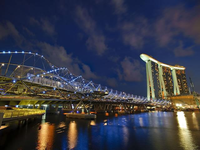 <福岡発>直行便シンガポール航空で行く、一度は泊まりたい!シンガポールのランドマーク「マリーナベイサンズ」に泊まるシンガポール4日間 ※早割特典ラウンジクーポンプレゼント【燃油代込/カード決済OK】
