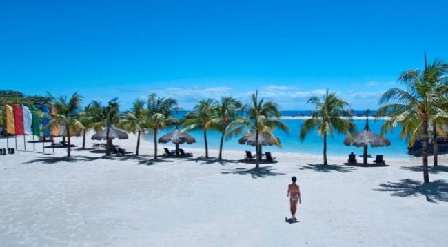 美しいプライベートビーチです。沖合には小さいながらもプライベート島もあります/ビーチイメージ