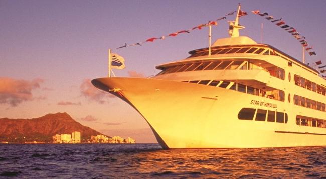 【プランAを選択した場合】金曜日は船上よりヒルトンの花火をご覧いただけます/スターオブホノルル号 サンセットディナークルーズ/イメージ