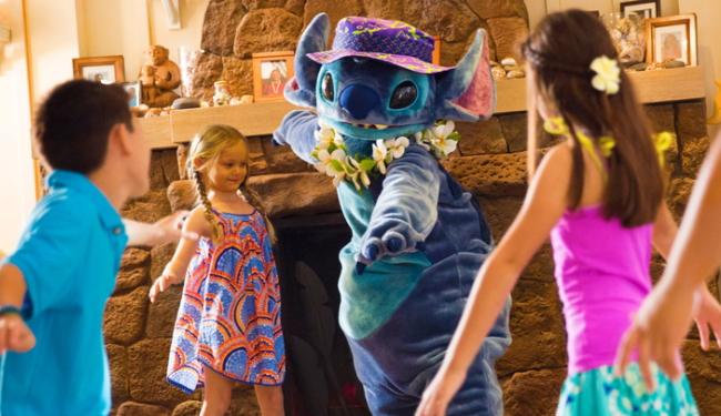 ハワイムードのキャラクターに会えるかも?!/アウラニディズニー/イメージ(c)Disney