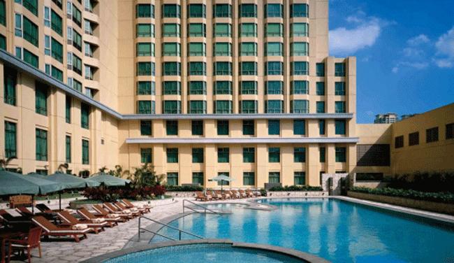 25m屋外プールや、お子様用プールもございます!/ニューワールドマニラ ベイホテル(旧ハイアット)/プールイメージ