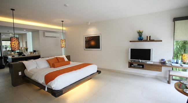 広々しており、白を基調としたお部屋です/ジュニアスイートルーム/イメージ/ディスカバリーショアーズ