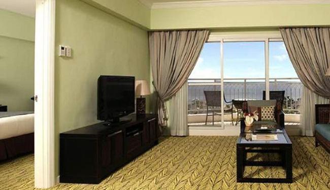 広々スイートルーム!お部屋からは海も見えます。広々ベランダやバスルームも完備!/マクタンスイートオーシャンビュー(イメージ)