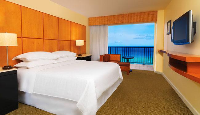 青い太平洋を独り占めしているような気持ちになれるオーシャンフロントのお部屋です/シェラトンワイキキ/イメージ