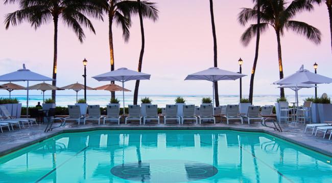 ゲスト専用のビーチエリア、「モアナ・ビーチ」はプールの目の前/モアナサーフライダー/イメージ