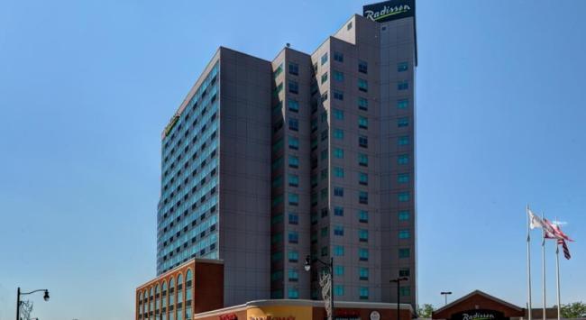 ラディソン ホテル & スイーツ フォールズビュー/イメージ
