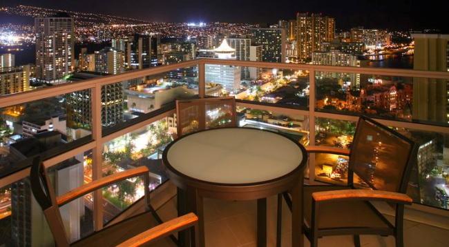 夜景が美しいシティビューのお部屋/トランプ/イメージ